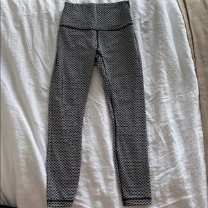 Lululemon Wunder Under full-on Luxtreme size 6